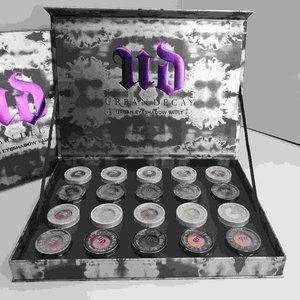 Urban Decay Eyeshadow Vault Brand New Mint x20